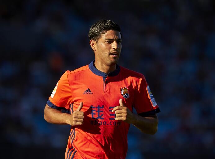La Liga / Celta 2-[3] Real Sociedad: el mexicano Carlos Vela, tras su vi...