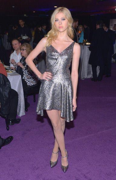 Con apenas 19 años, Nicola ha sido invitada a los eventos de moda más im...