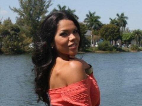 Paola García, es una linda mexicana que quiere ser la protagonist...