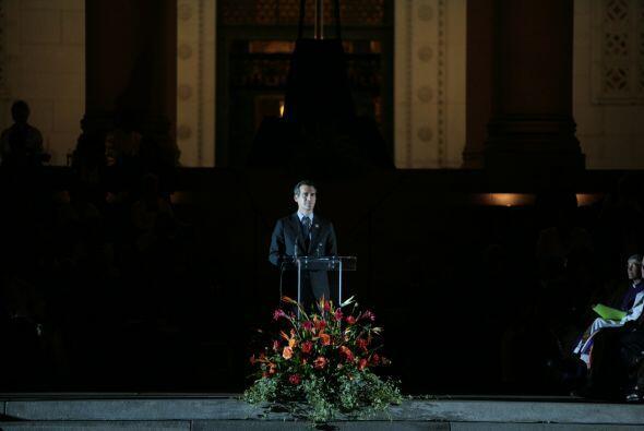 El presidente del concejo angelino, Eric Garcetti, leyó los nombres de l...