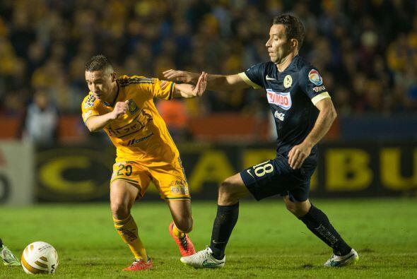Tras el silbatazo inicial, los Tigres de Ricardo Ferretti intentaron tom...