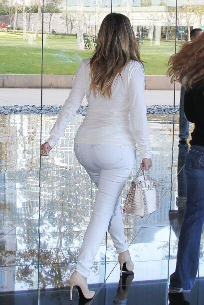 ¿Será que efectivamente Kim recurrió al aumento de glúteos con injertos...