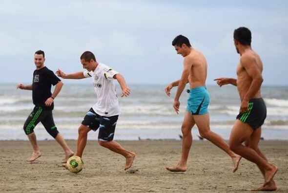 Javier Hernández, Marco Fabián, Diego Reyes, Alan Pulido, Miguel Ponce,...