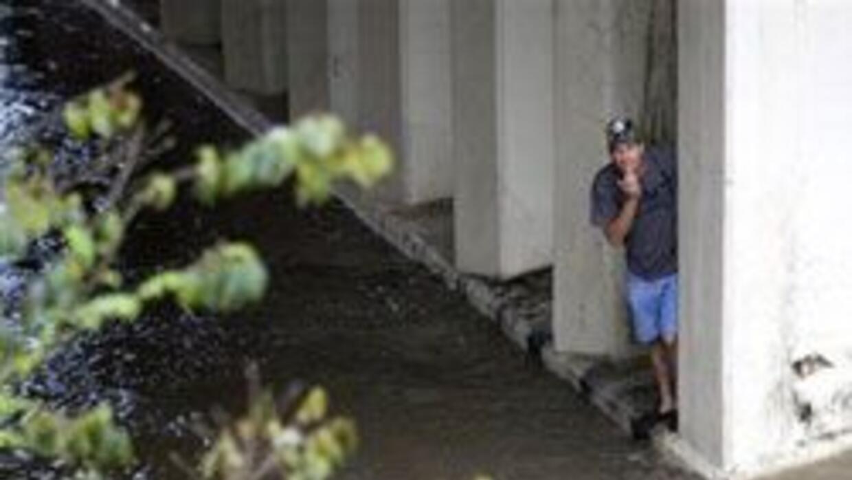 Cinco ni?os muertos en inundaciones. Tormentas severas afectaron Houston...