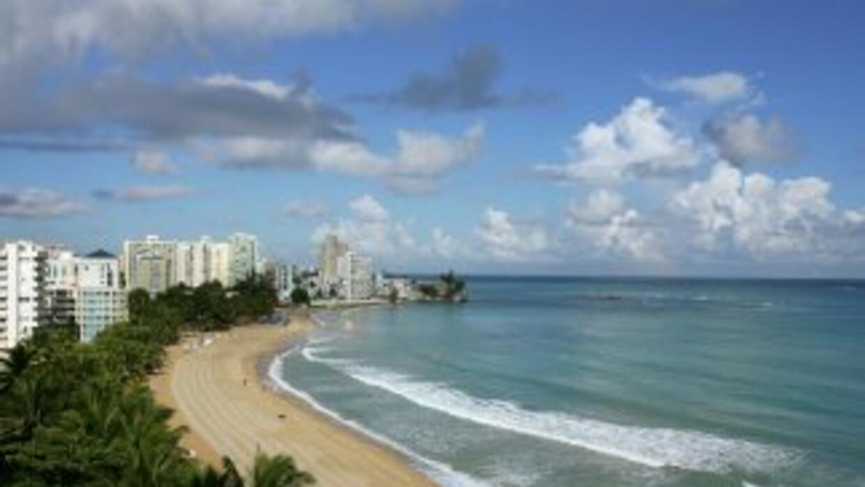 Vista de Isla Verde Beach en el Viejo San Juan, Puerto Rico.