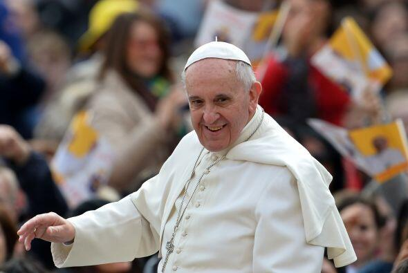 Luego de la renuncia de Benedicto XVI, el cónclave para elegir al nuevo...