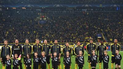 Borussia Dortmund le rinde homenaje a Marc Bartra