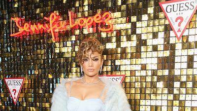 Jennifer López en la gala de presentación de la campaña de primavera 201...