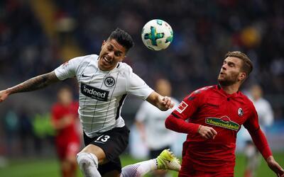 Marco Fabián fue presentado con el Eintracht Frankfurt gettyimages-90447...