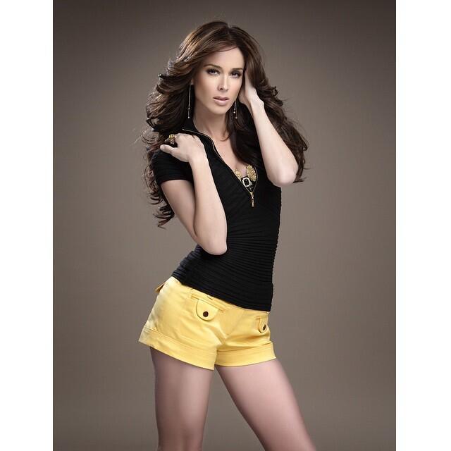Estas actrices son las mamás más sexys 11116598_528713067270090_21807317...