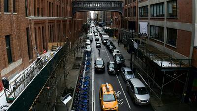 Fiscalía de Nueva York investiga la denuncia de corrupción generalizada en la sede del DMV de Manhattan