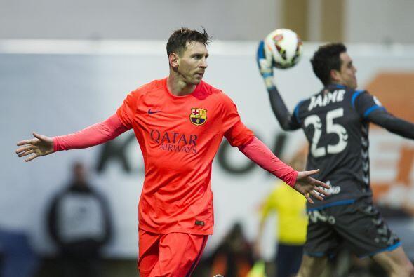 Messi se encargó de convertir el penalti para abrir el marcador a los 31...