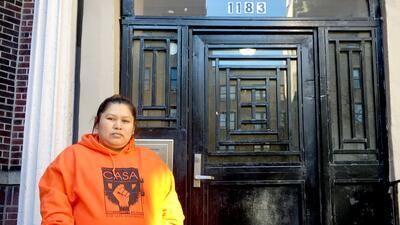Guadalupe Hernández, apoyada por la organización CASA, es...