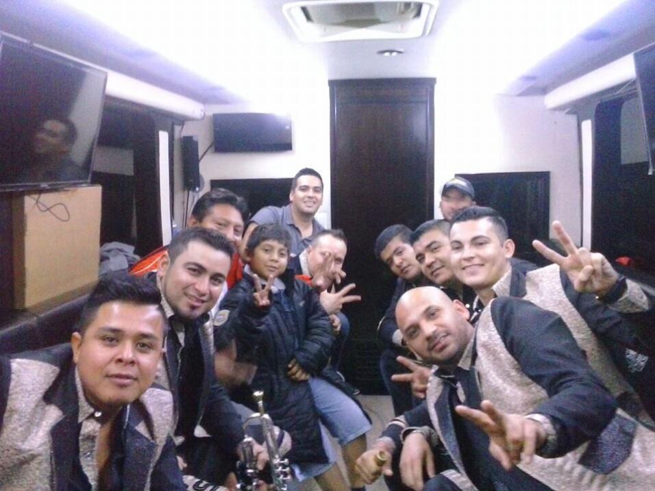 Una trampa mortal: así se juegan la vida los artistas de regional mexica...