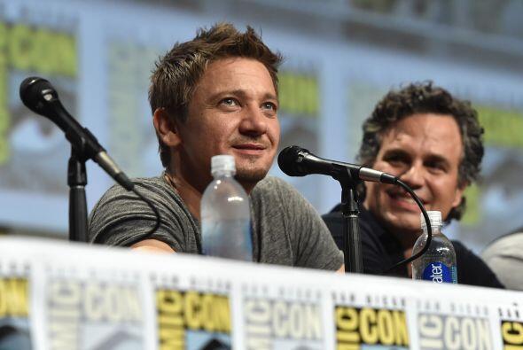 """En el """"ComicCon"""", celebrado en San Diego en Julio 26, Jeremy Renner apar..."""