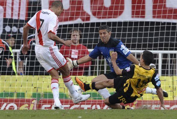 El triunfo se logró con doblete del futbolista francés de ascendencia ar...
