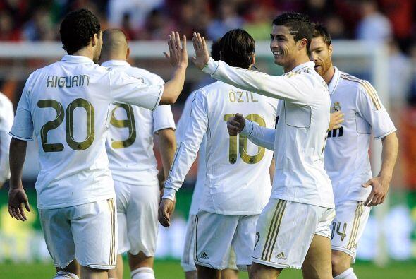 La fórmula Cristiano Ronaldo-Benzema-Higuaín es demoledora.