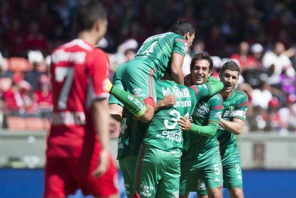 El ex jugador del Toluca remataría por encima de la barrera para que la...