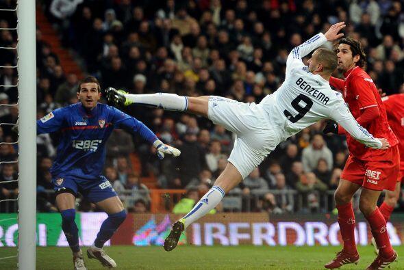 Karim Benzema intentó de todo, pero su gol no llegó.