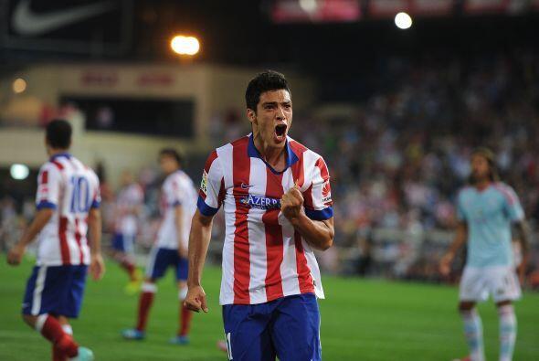 Raúl Jiménez está cerca de convertirse en el mexicano número 19 en jugar...