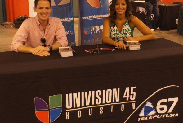 Reporteros y presentadores de Noticias 45 Univision asistieron al Festiv...