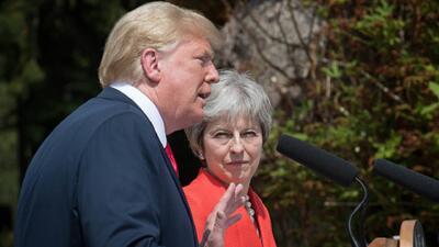En su visita a Gran Bretaña, Trump habla mal de la primera ministra