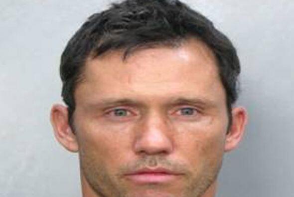 El 12 de julio del 2009, el actor Jeffrey Donovan fue arrestado por la p...