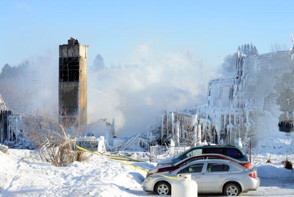 El portavoz sí confirmó que veinte personas fueron rescatadas de la resi...
