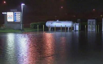Las intensas lluvias causan inundaciones y corte de energía en el sur de...
