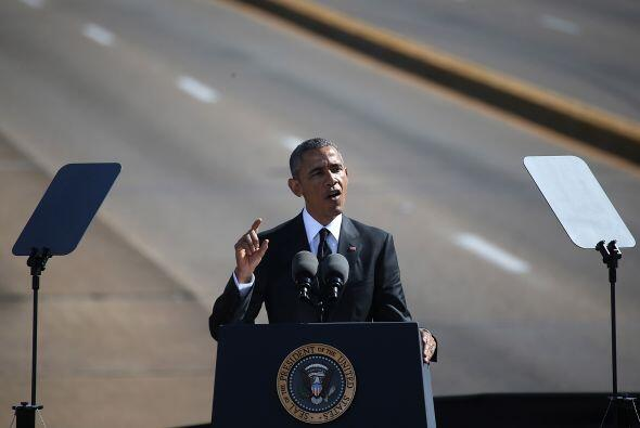 """""""Sabemos que la marcha no ha terminado"""", dijo el presidente ante miles d..."""