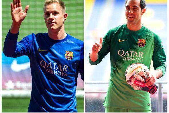 Dos porteros, el alemán Ter Stegen, del Borussia Monchengladbach y el ch...