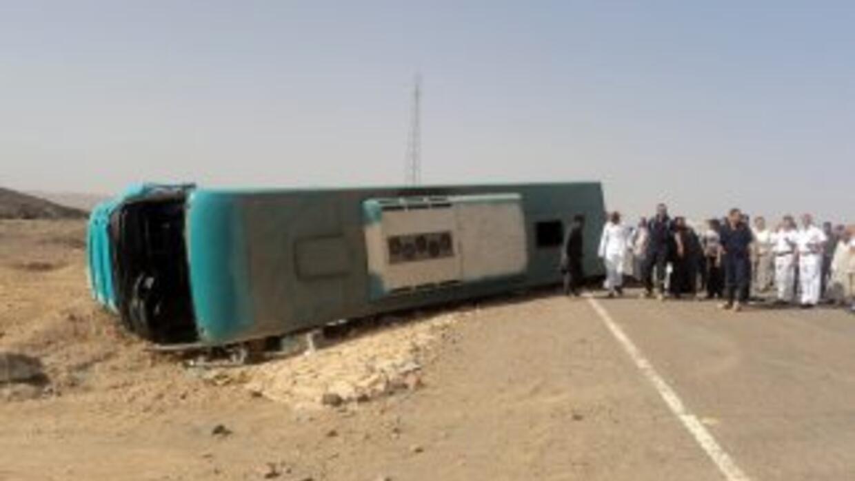 Accidente de autobús con turistas mexicanos en Egipto.