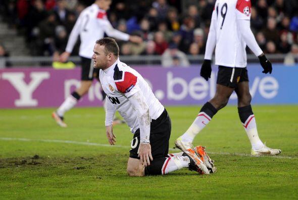 El United estaba peleado con el gol. 'Chicharito' Hernández fue ausencia...