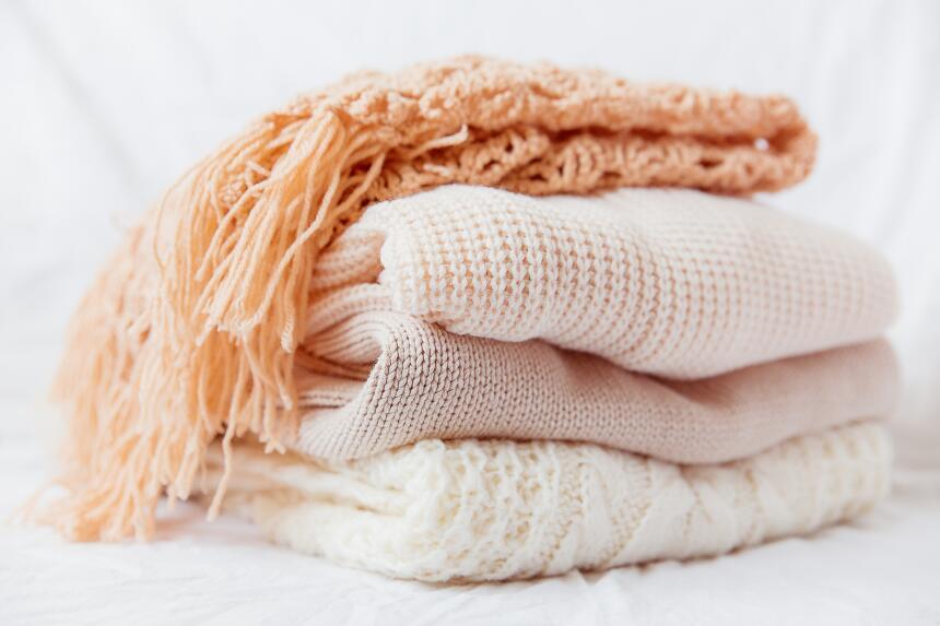 Ciertas prendas sueltan más pelusa que otras, así que deben lavarse por...