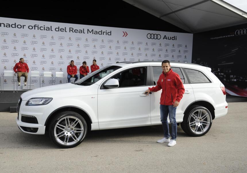 Los autos de Rafa Márquez y Chicharito Hernández