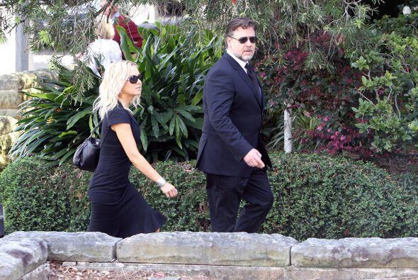 Amigos y familiares asistieron al funeral del padre de Nicole Kidman, el...