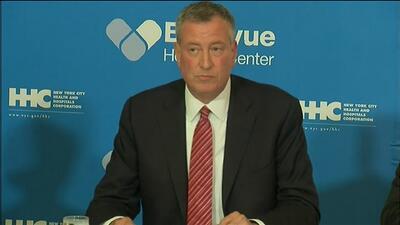 """De Blasio: """"No hay motivo de alarma por ébola en Nueva York"""""""