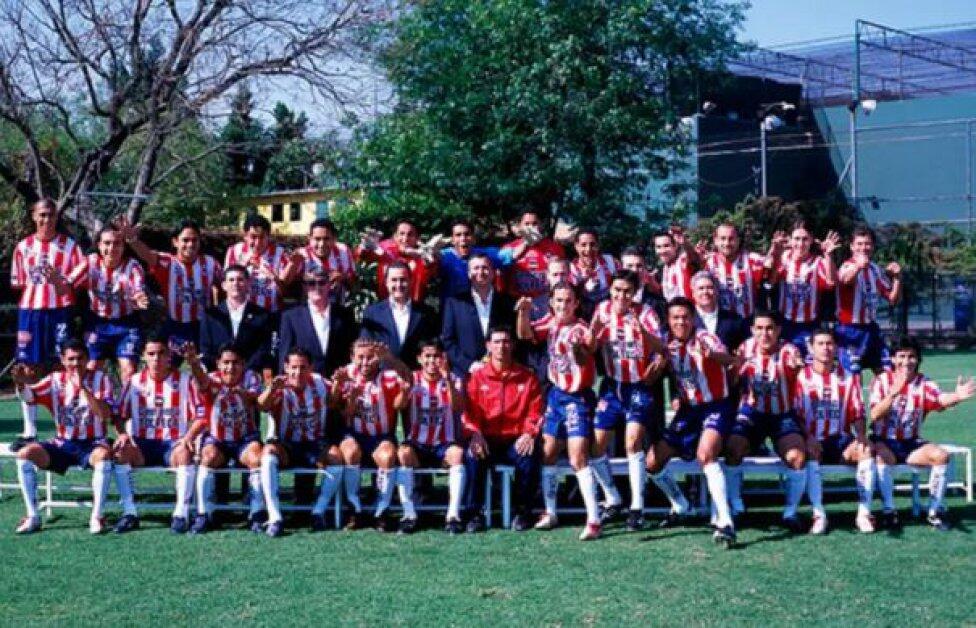 Las mejores fotos oficiales de Chivas en la era de Jorge Vergara clausur...