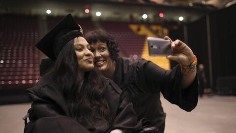 Estudiantes 'DACA' no reciben ayuda federal pero sí pueden optar a otras.
