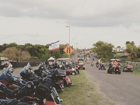 Miles de motociclistas llegan a Austin