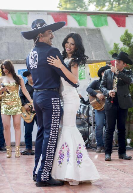 Romantically linked boyfriend and girlfriend: Eduardo Yanez and Africa Zavala