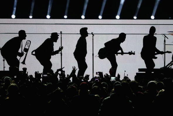 Mars puso a bailar a los espectadores del MetLife Stadium al ritmo del pop.