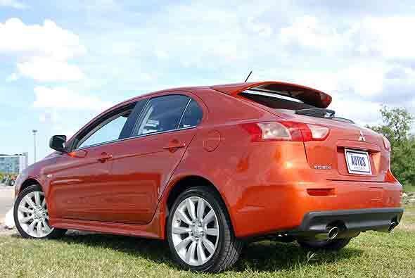 El estilo hatchback brinda una imagen distinta de este auto con respecto...