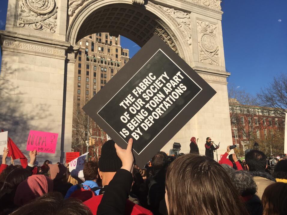 Convocada para las 4:00 pm, cientos participaron de la manifestación en...