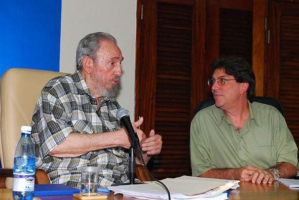El canciller cubano, Bruno Rodríguez se mostró atento al mensaje de Fide...