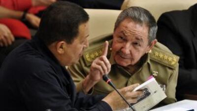 Raúl Castro, Hugo Chávez