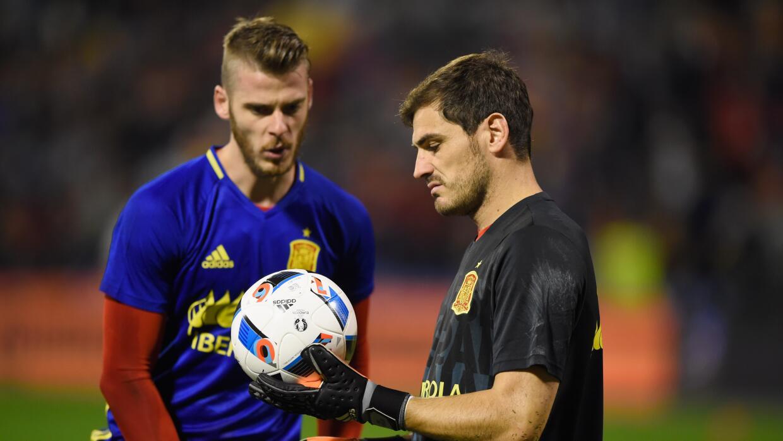Iker Casillas en una práctica con David de Gea
