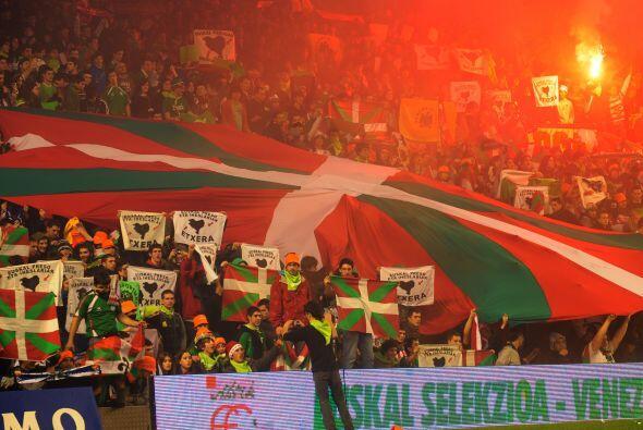La tribuna del San Mamés estaba muy contenta con el resultado.