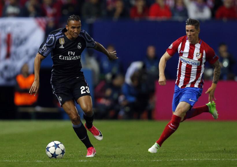 El lateral brasileño Danilo estaría negociando su salida del Real Madrid...