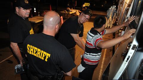 Un inmigrante es detenido en Arizona, durante la era del sheriff  Joe Ar...